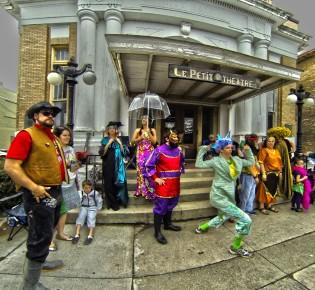 Krewe of Tradition, clowning, Houma LA 2014